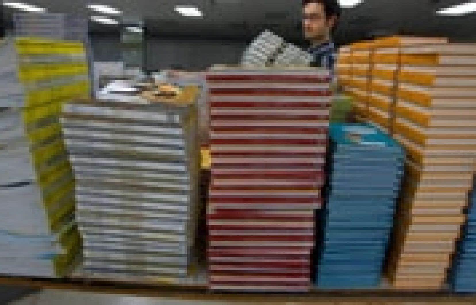 Le gouvernement a prévu 169 millions sur quatre années pour l'achat de nouveaux manuels scolaires adaptés à la refonte du niveau secondaire.