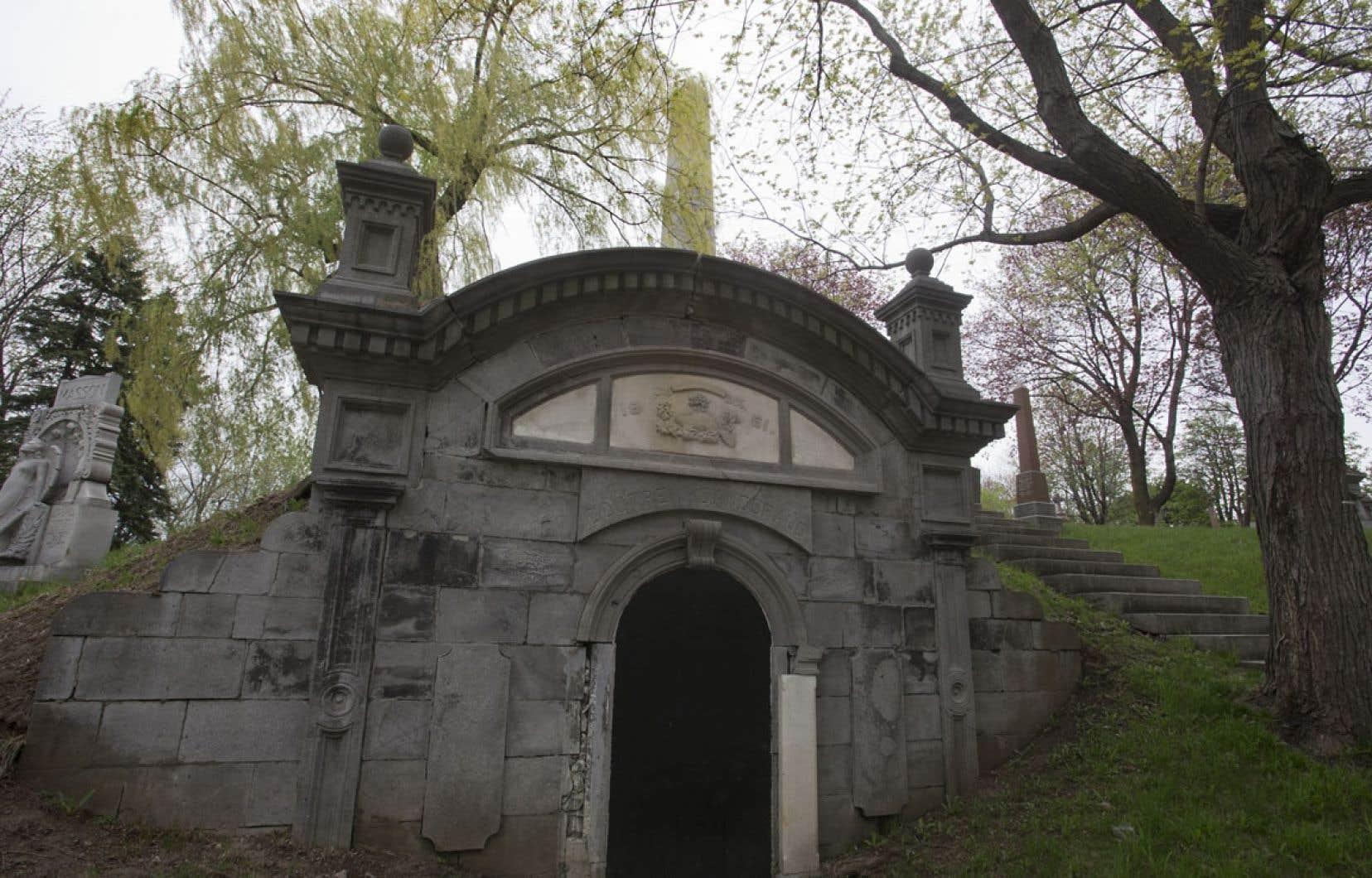 Alain Tremblay pense que les restes se trouvent dans le caveau des familles Doutre et Dandurand, au pied du monument consacré aux victimes de la rébellion des patriotes de 1837-1838.