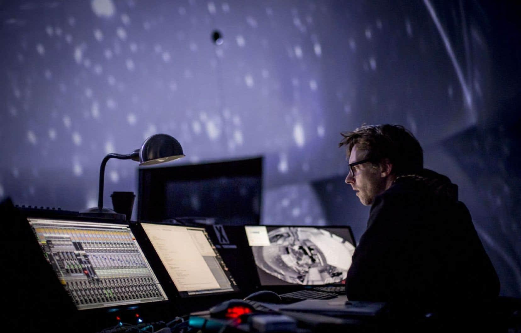 La SAT profite du symposium pour étoffer sa programmation avec Quantum, une installation conçue spécialement pour son dôme.