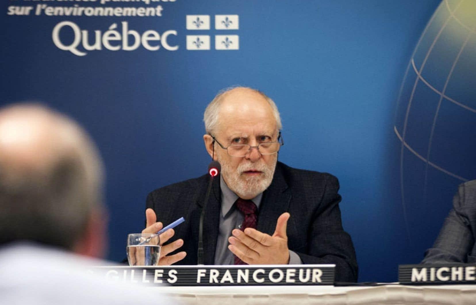 Le président de la commission sur les enjeux de la filière uranifère, Louis-Gilles Francœur