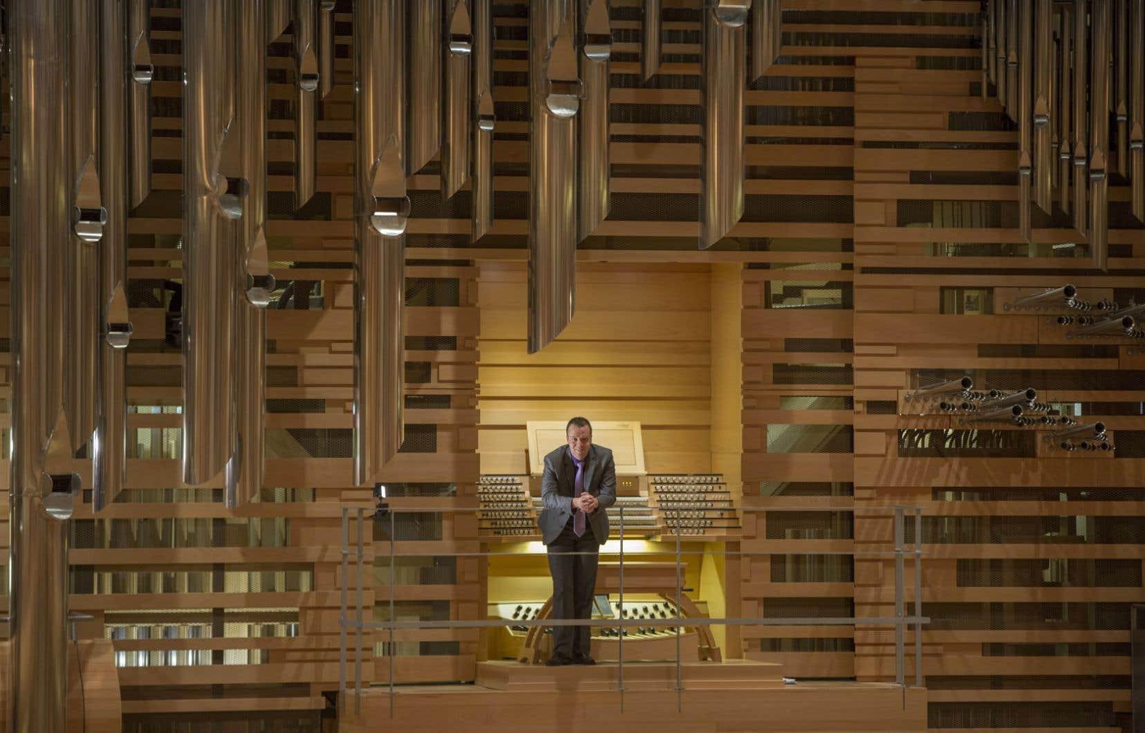 L'organiste en résidence de l'OSM, Jean-Willy Kunz, et le Grand Orgue Pierre-Béique, propriété de l'Orchestre symphonique de Montréal