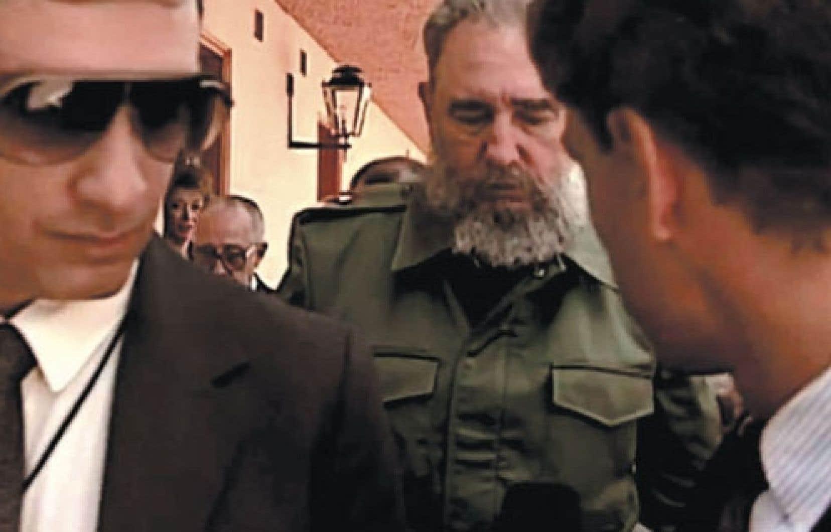 Fidel Castro et sa garde rapprochée, dont faisait partie Juan Reinaldo Sanchez.