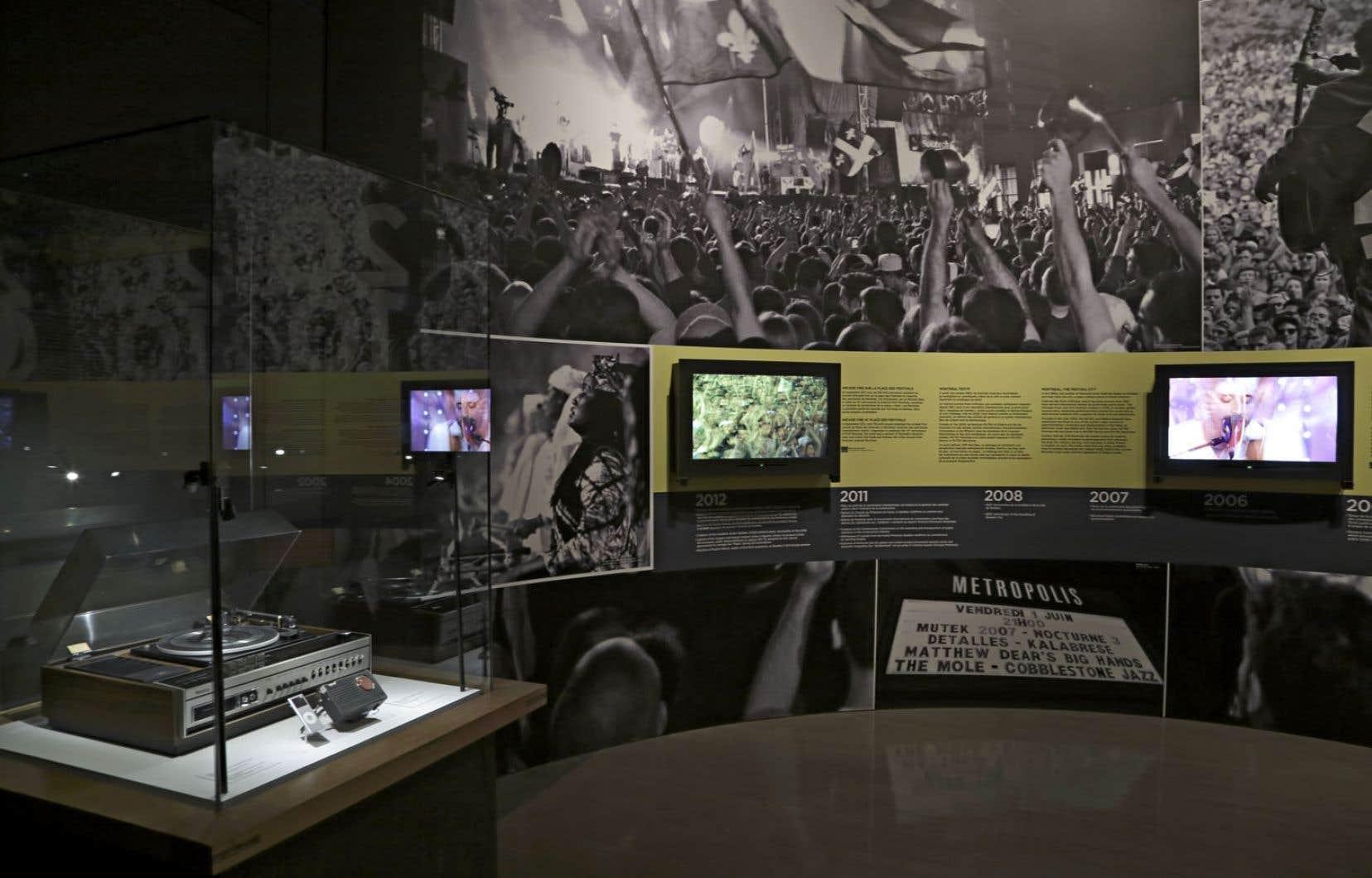 Une vue de l'exposition Musique – Le Québec de Charlebois à Arcade Fire au Musée McCord.