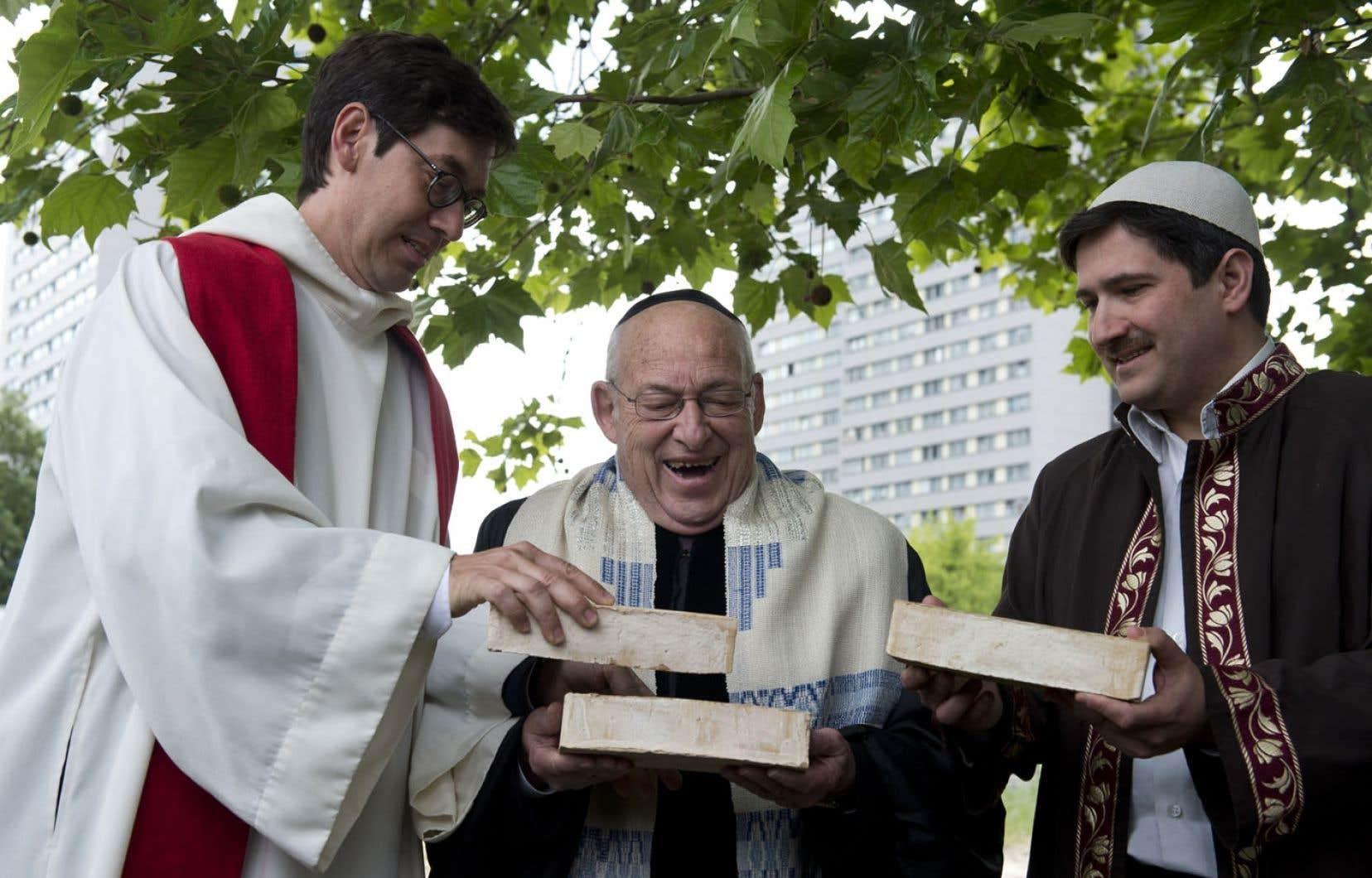 Le pasteur Gregor Hohberg, le rabbin Tovia Ben-Chorin et l'imam Kadir Sanci sont de ceux qui espèrent que le projet de maison commune de la prière verra le jour à Berlin.