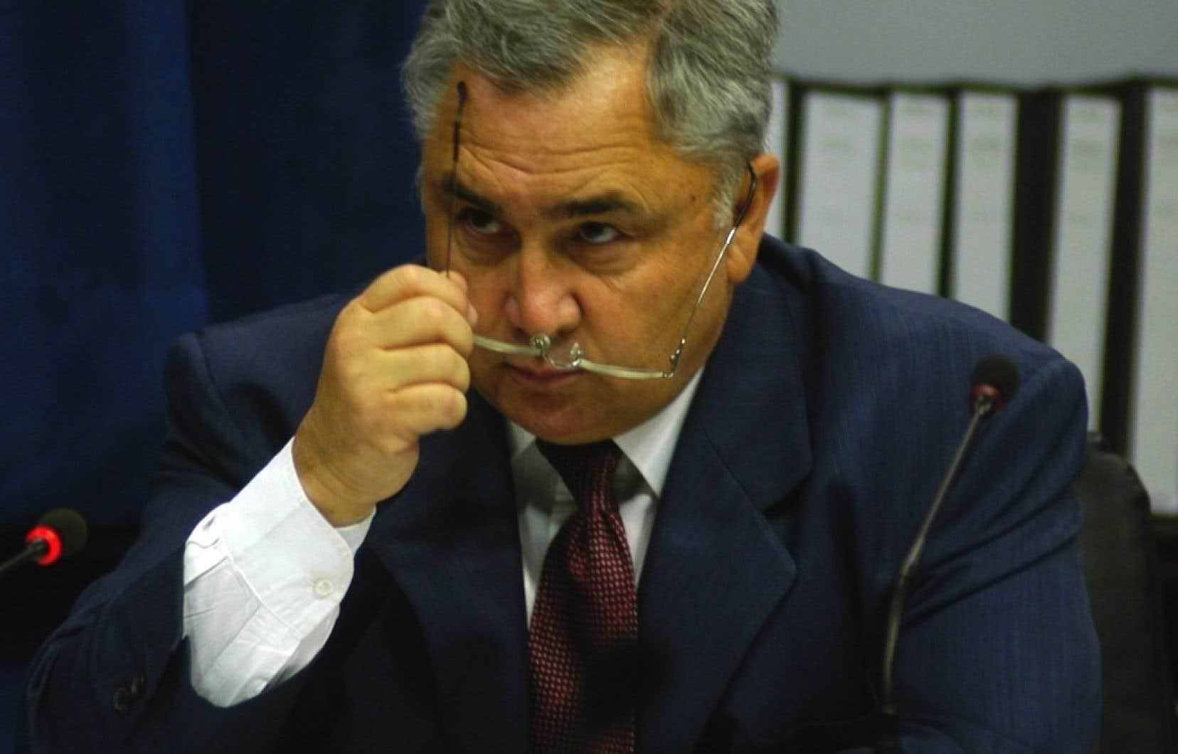 Pierre Bibeau, en 2005. Son ancienne secrétaire, Jocelyne Truchon, a expliqué lundi que Bibeau distribuait des billets de faveur ou des largesses à ceux qui le demandaient.