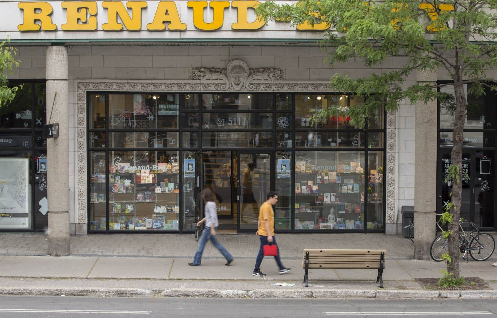 Diffusion Dimedia s'est déclaré de son côté déçu de la décision, et a annoncé son intention de poursuivre le recours sur le fond des enjeux juridiques et de démontrer que l'importation directe de livres de France par Renaud-Bray, admise par la chaîne de librairies, est illégale.