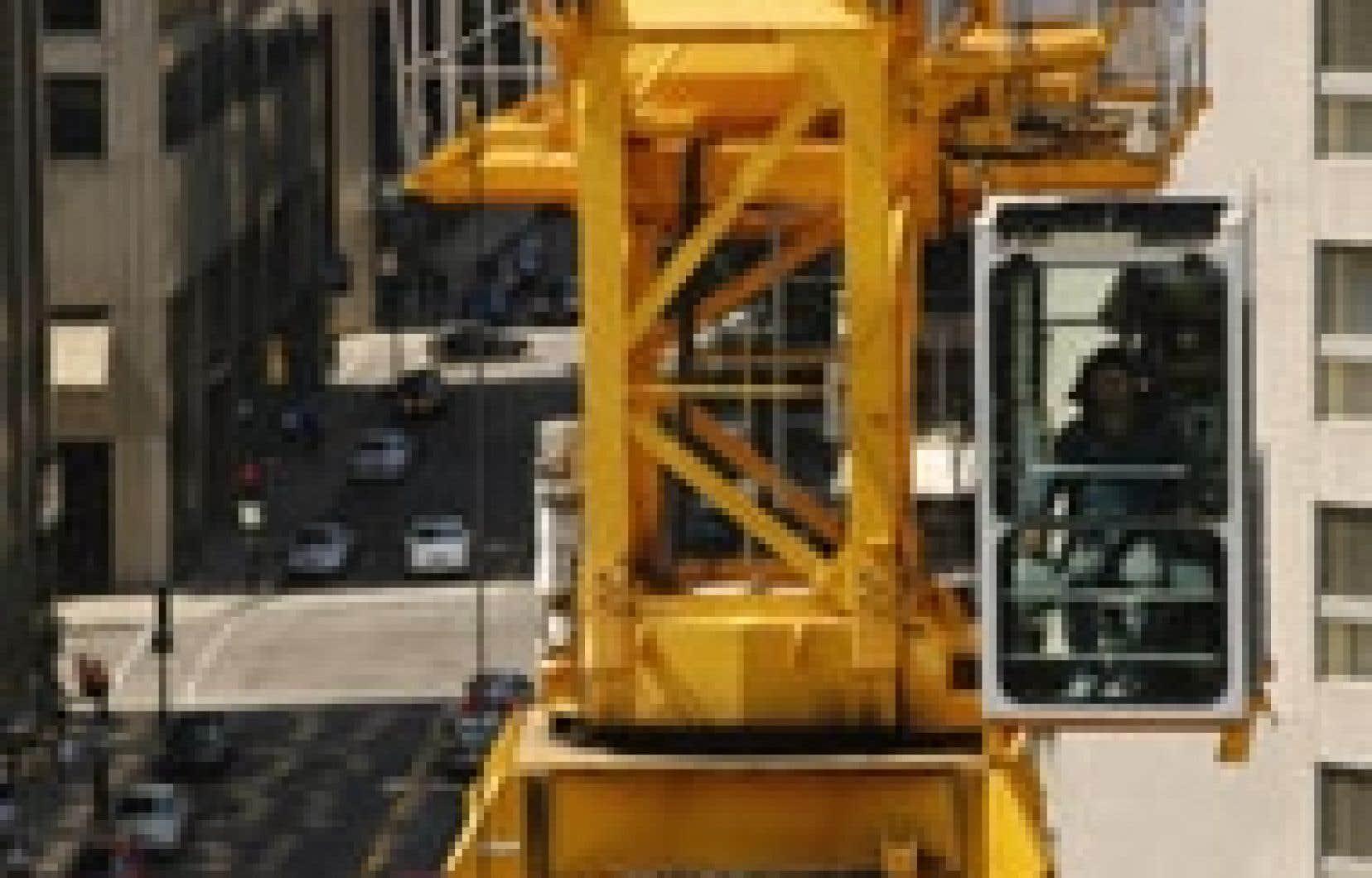 Au Québec, l'ensemble des permis de construction au mois de mai valait 963,6 millions, soit une avance de 3,8 % en écart mensuel.