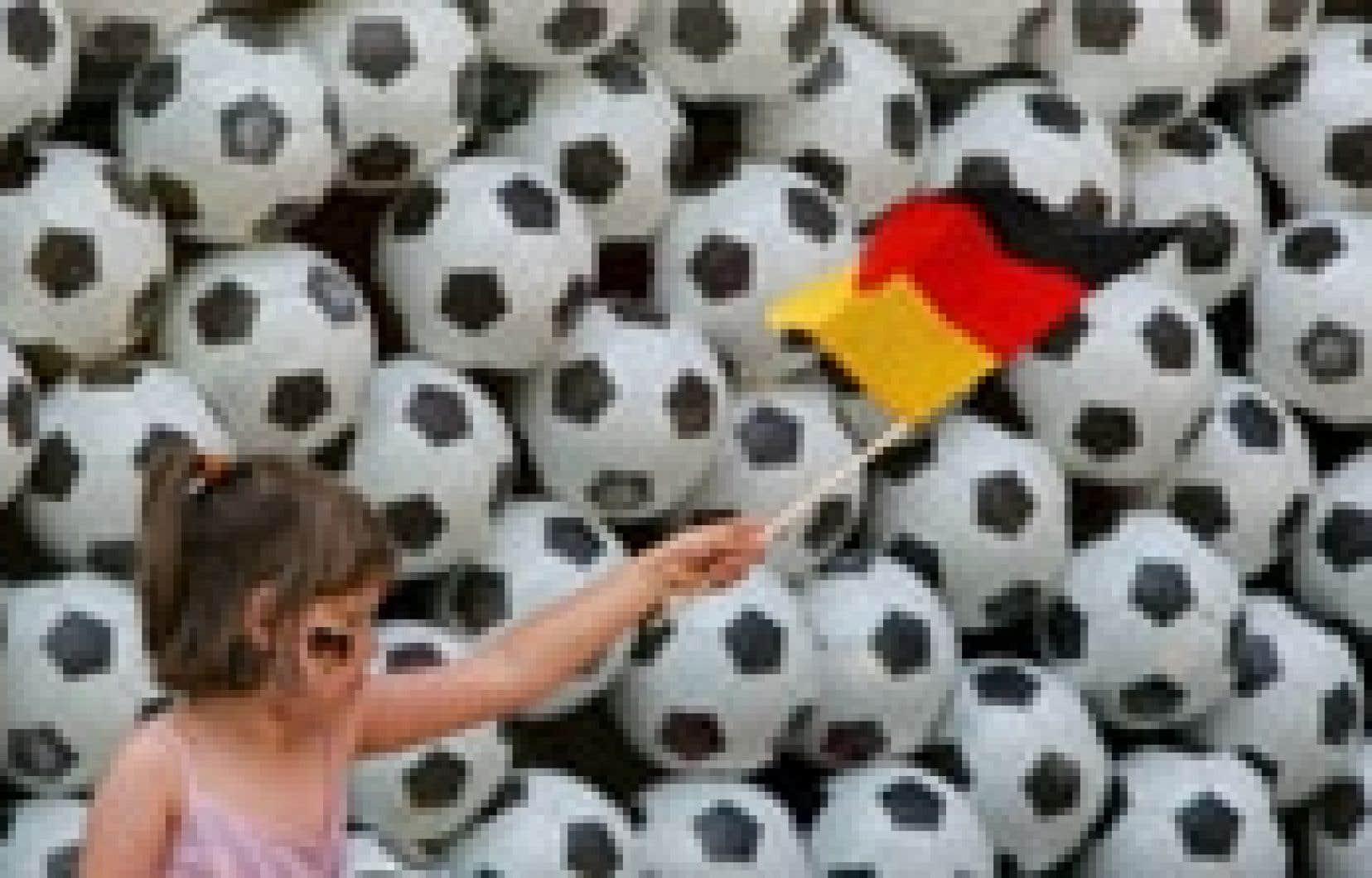 En tant que pays hôte, l'Allemagne va tirer parti de cette Coupe du monde. Les performances de l'équipe allemande se traduisent même dans les indices de confiance des Allemands, à l'image de l'indice Ifo, qui mesure le moral des entrepreneurs