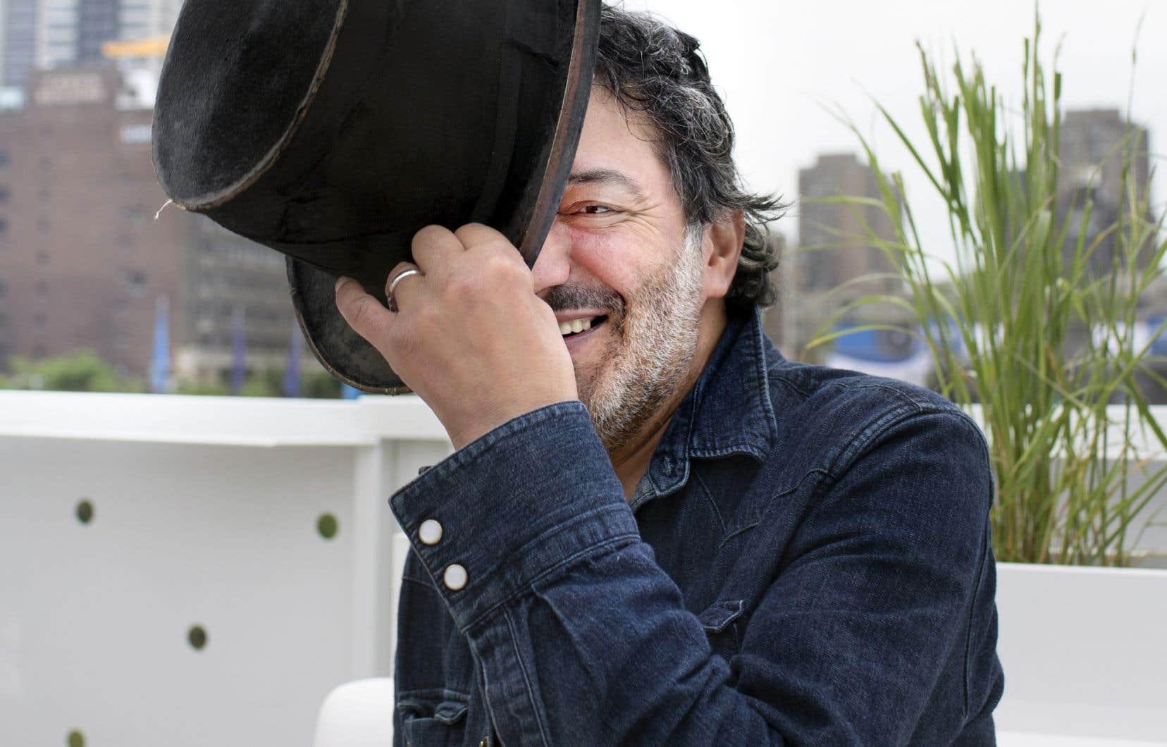 Le garnement est en verve et cause de rock arabe. Rachid Taha est à préparer un festival de rock du monde arabe. «Je veux le faire en France», précise-t-il.