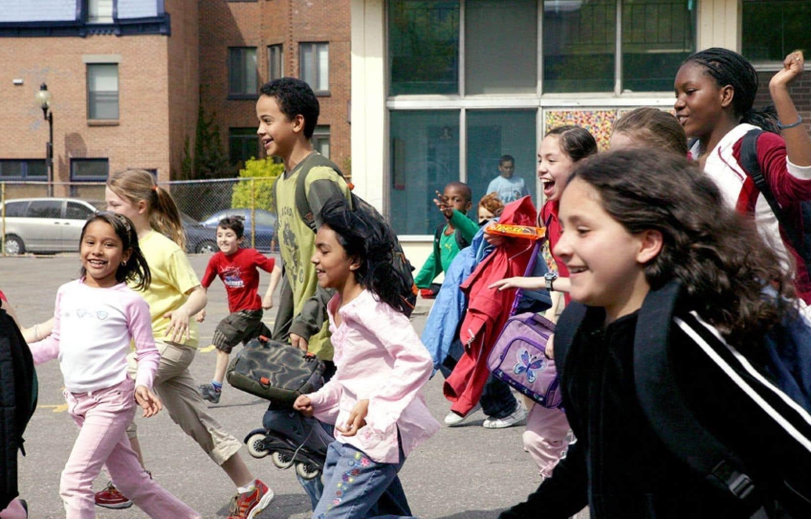Dans certaines écoles, le 23 juin, un lundi, sera la dernière journée de l'année scolaire, avant le congé de la Saint-Jean-Baptiste.