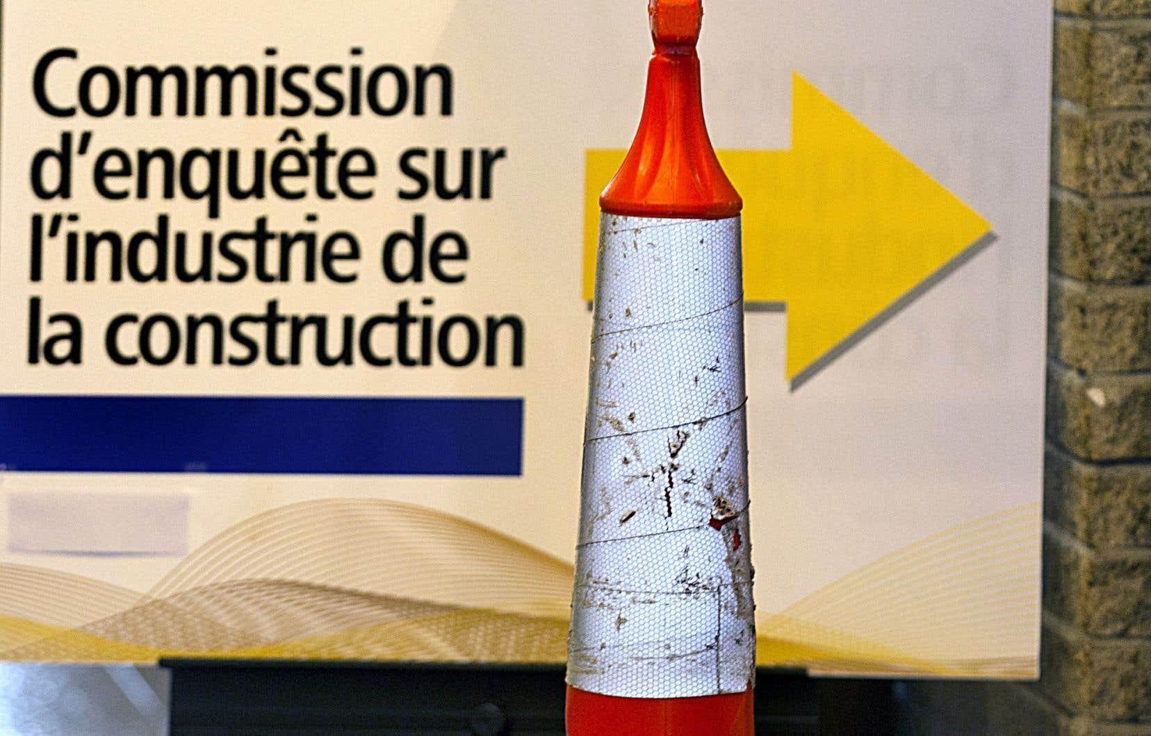 Environ 10 % des dons effectués aux trois grands partis politiques émanent des firmes de génie-conseil, révèle une analyse de la commission Charbonneau présentée jeudi.