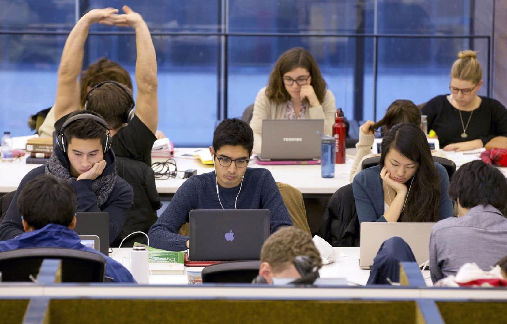 Les universités reproduisent chaque année des millions de pages d'œuvres protégées destinées aux étudiants. L'Université Laval juge cependant qu'elle n'a plus besoin de Copibec pour gérer les redevances.
