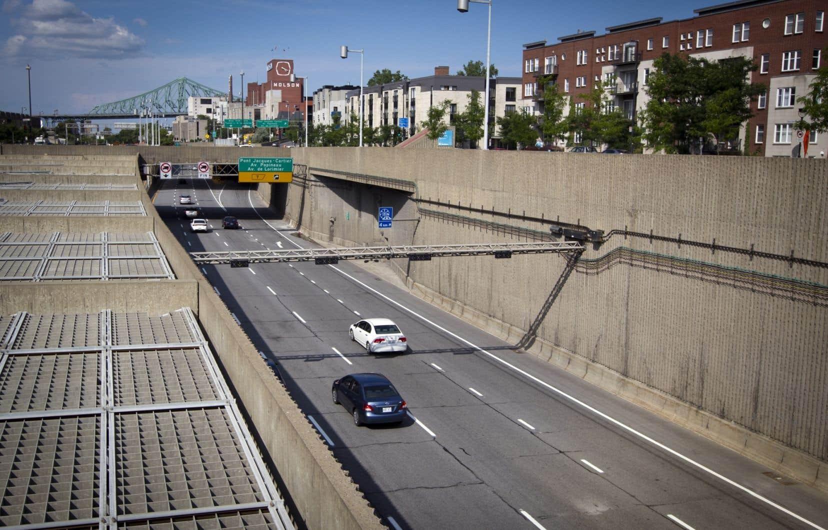 L'autoroute Ville-Marie, à Montréal