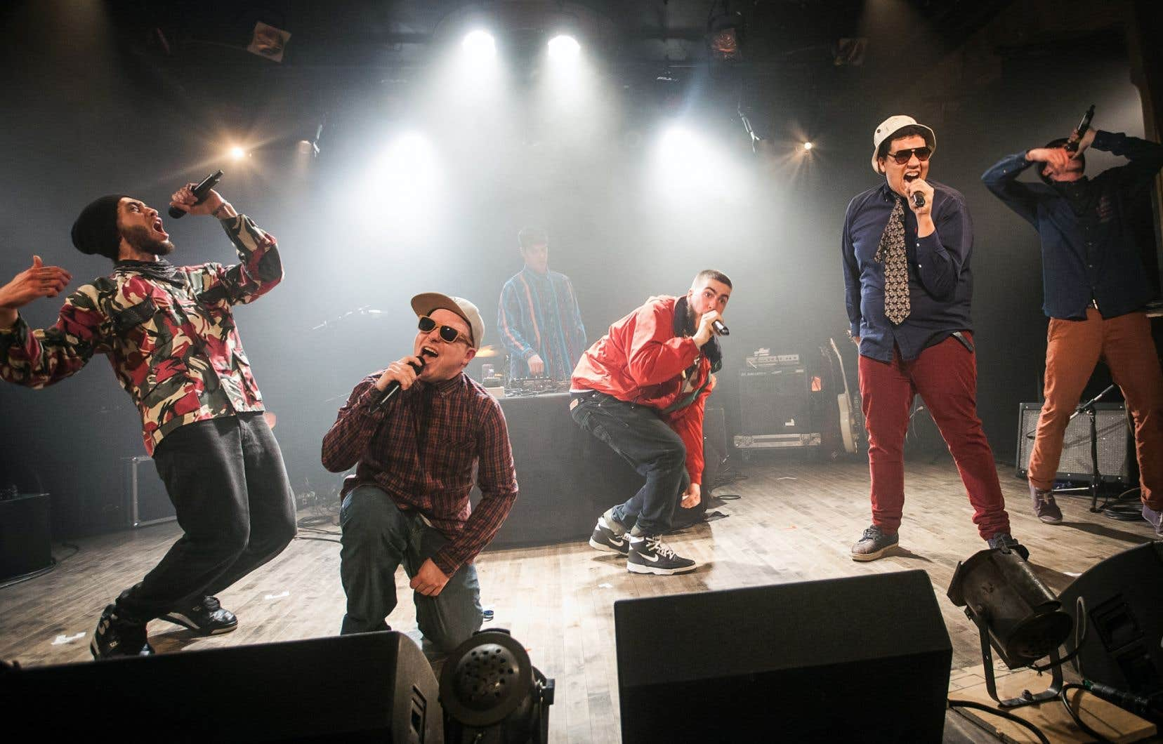 Le débat de l'anglicisation du français a refait surface avec la polémique ravivée autour du sextuor hip-hop franglo-québécois Dead Obies.