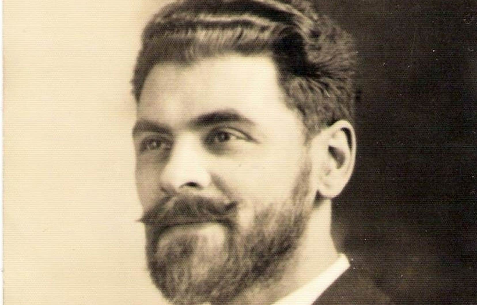 L'écrivain Alfred DesRochers, à l'âge de 35 ans