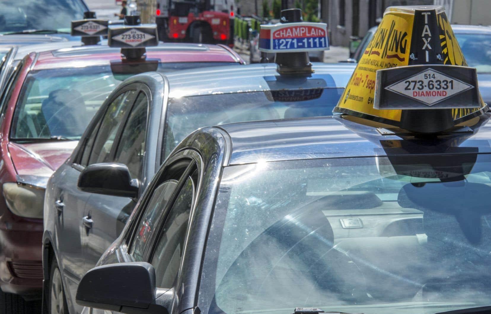 La nouvelle politique prévoit une série de mesures qui permettront de rendre les véhicules plus sécuritaires pour les chauffeurs, tout en accroissant la qualité du service.