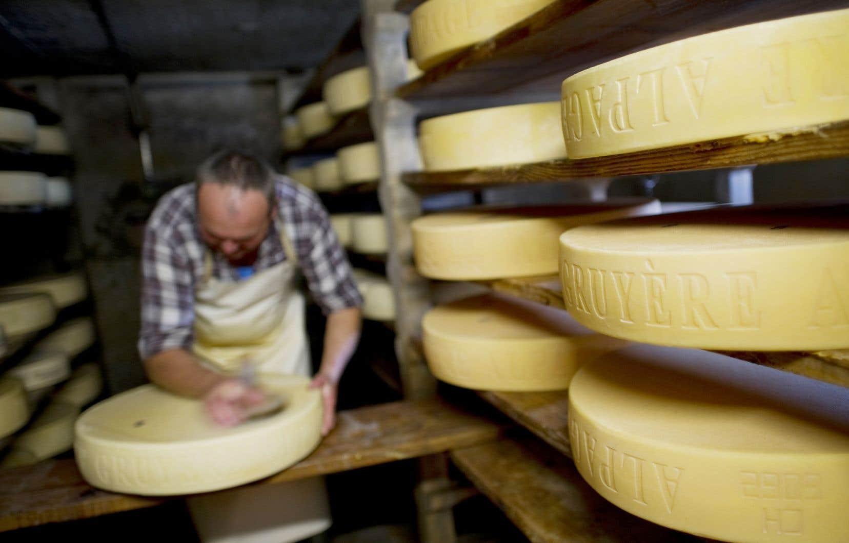 De nombreux formages importés d'Europe au Canada ne répondent déjà pas aux normes sanitaires canadiennes, font remarquer les fromagers québécois dans le mémoire qu'ils ont présenté au début de l'été au gouvernement fédéral.