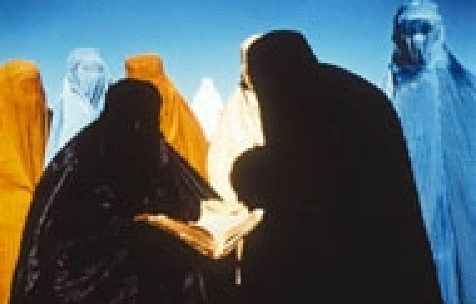 Une scène du film Kandahar, du cinéaste iranien Moshen Makhmalbaf, maintenant en exil à Paris.