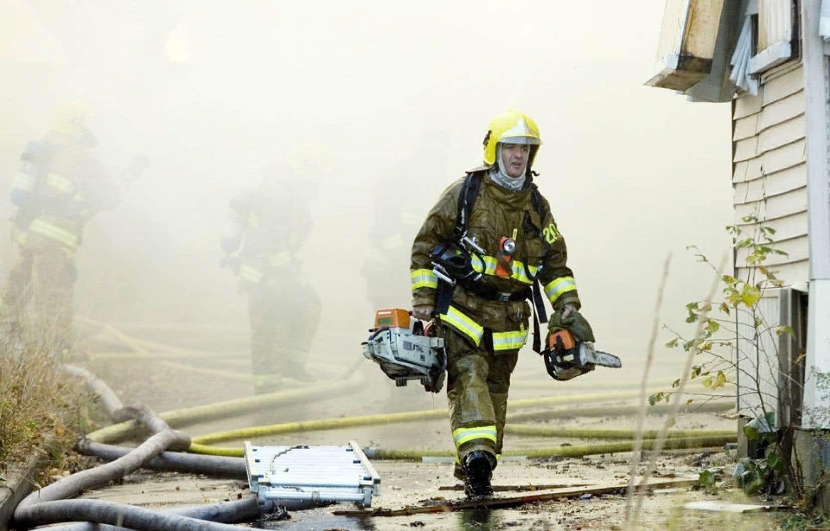 Les représentants des pompiers ont vivement dénoncé le projet de loi 3 cette semaine.