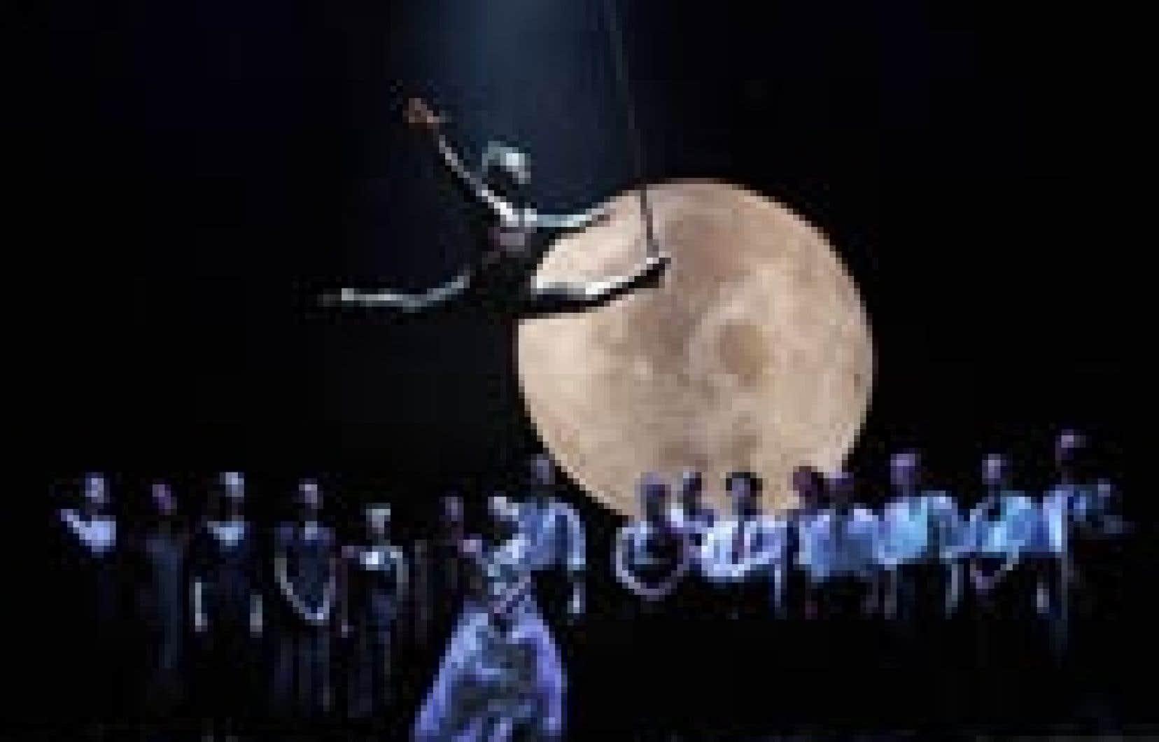 Le spectacle Nomade, du Cirque Éloize, lors du passage de la troupe à Paris plus tôt cette année. La compagnie fera partie de la cérémonie de clôture des Jeux de Turin.