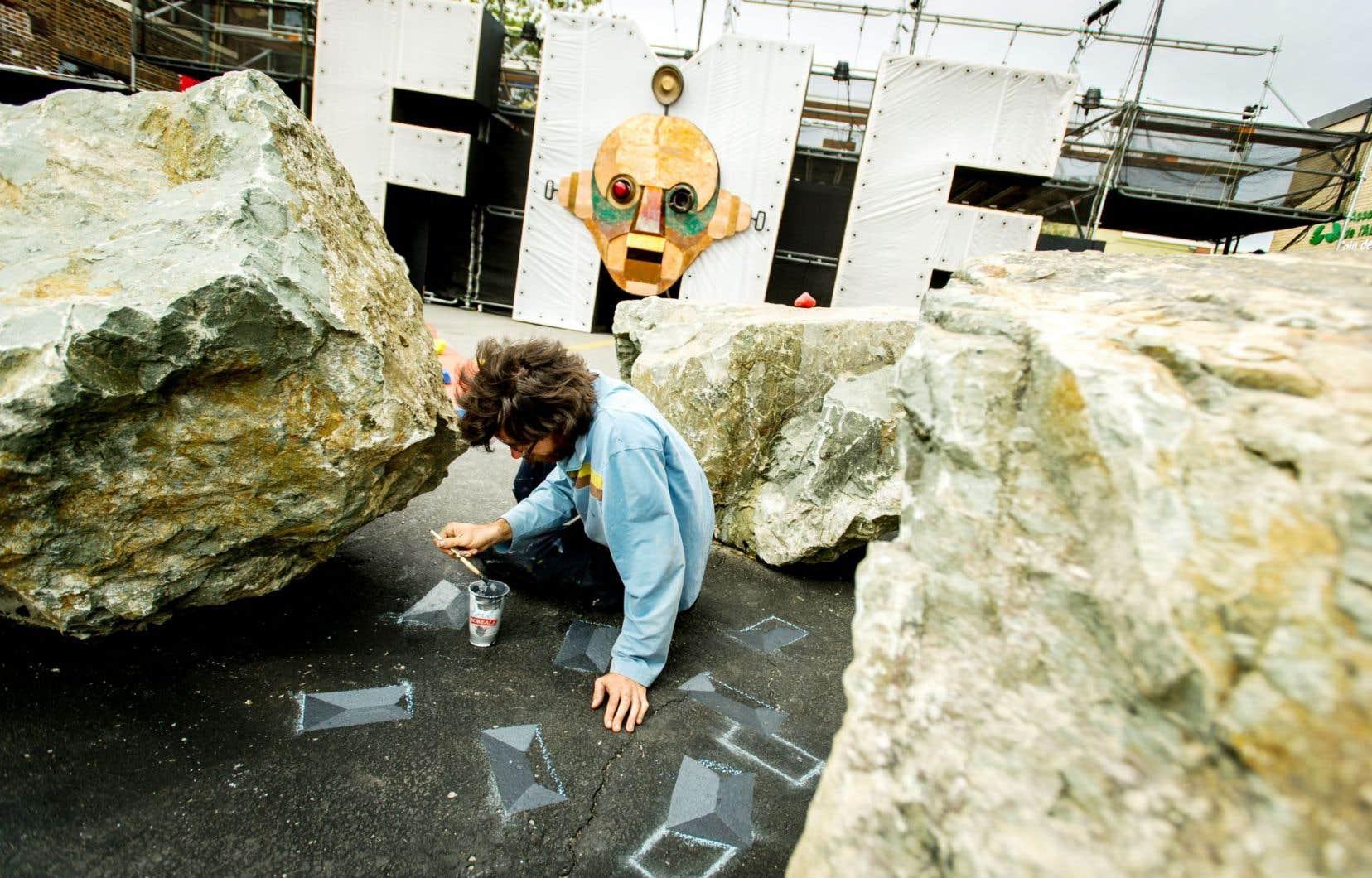 Mathieu Connery crée dans la rue, en plein site du FME.
