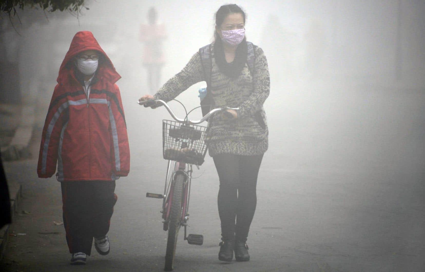 Parmi les impacts des changements climatiques, la pollution de l'air occasionne d'importants problèmes de santé.