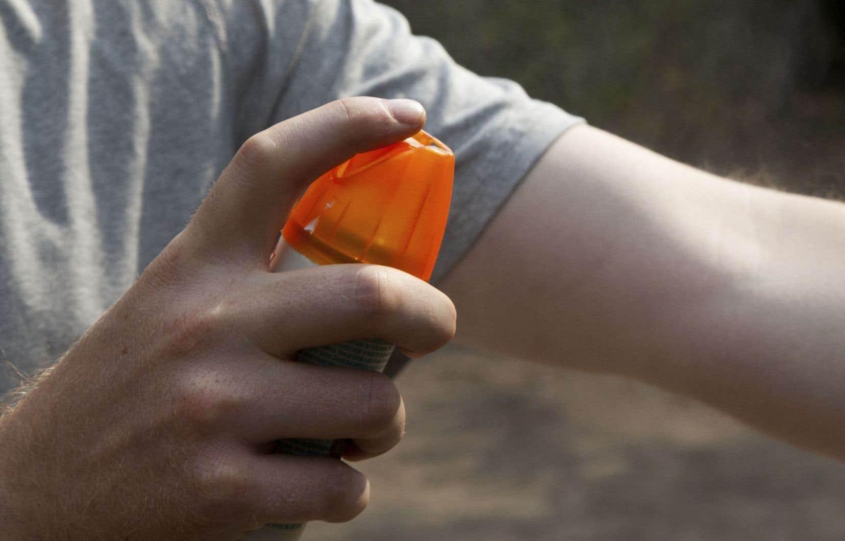 À partir du 31 décembre, tous devront se rabattre sur les produits à base de DEET pour éloigner les moustiques.