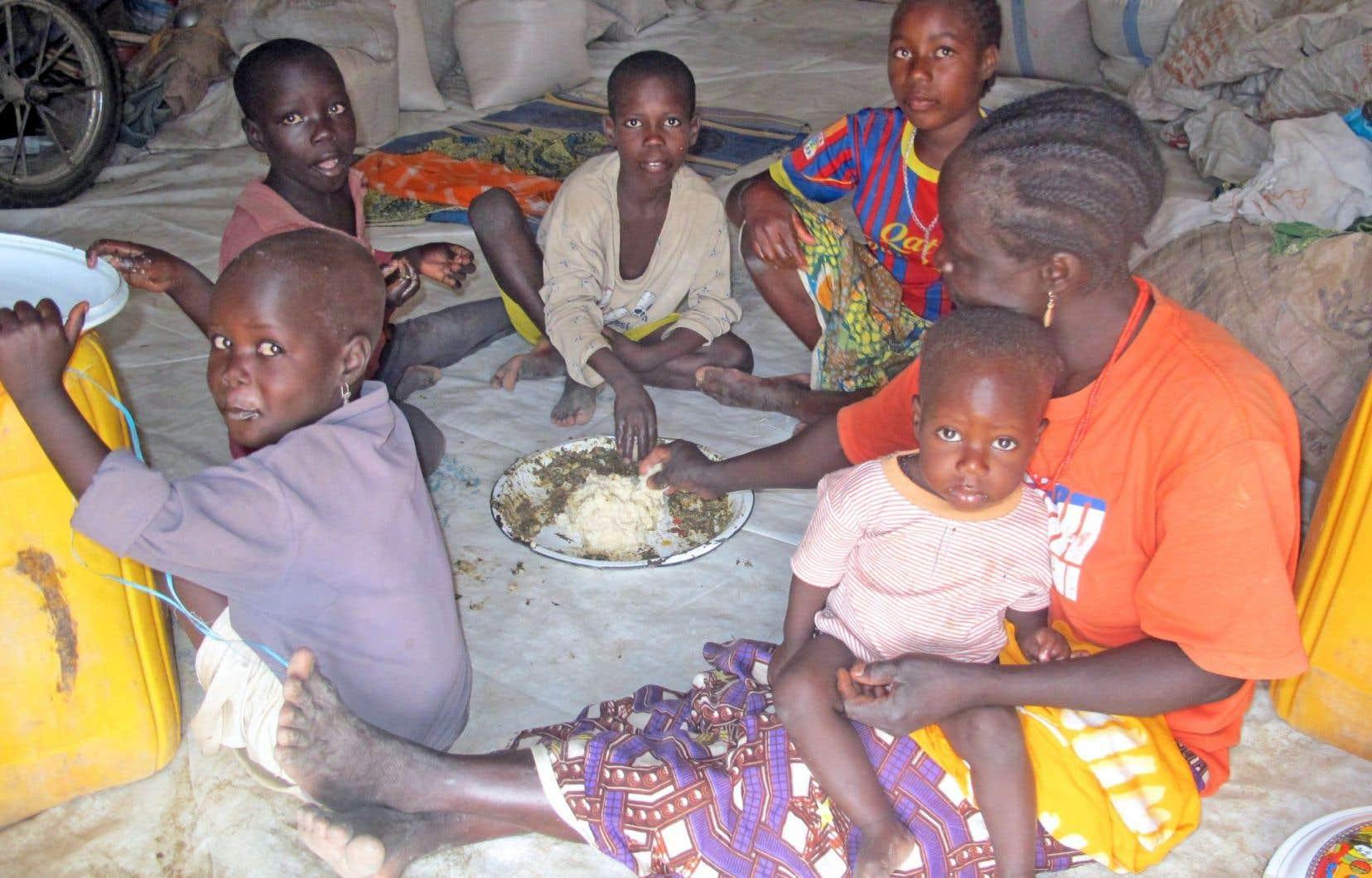 Des réfugiés au camp de Minawao, situé dans le nord du Cameroun