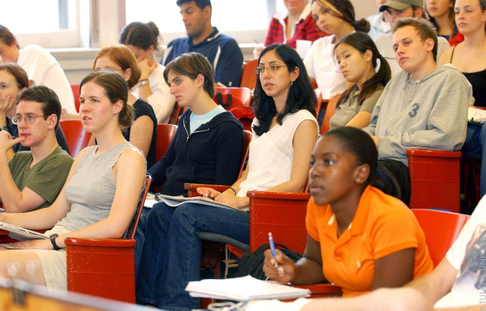 Aujourd'hui, 40 % des jeunes de 25 à 34 ans ont un diplôme universitaire.