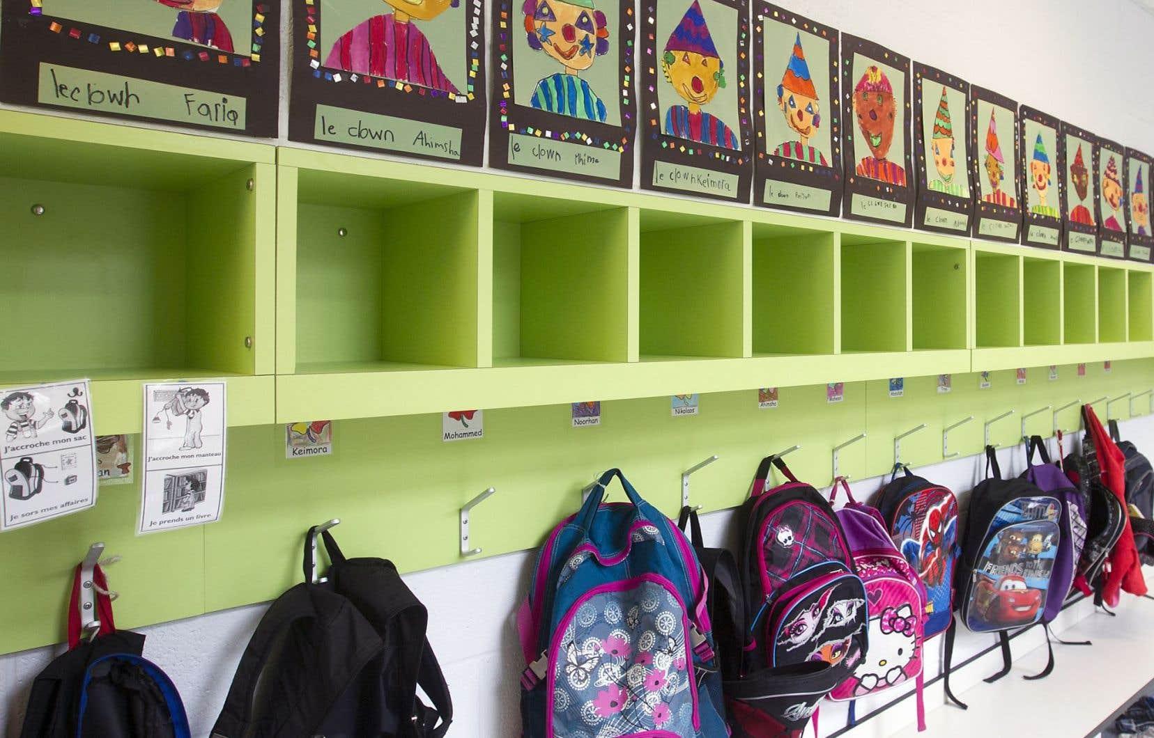 Le ministre de l'Éducation, Yves Bolduc, a demandé un effort budgétaire de 163 millions aux 72 commissions scolaires pour l'année 2014-2015, ce qui représente environ 10 % de leurs budgets respectifs.