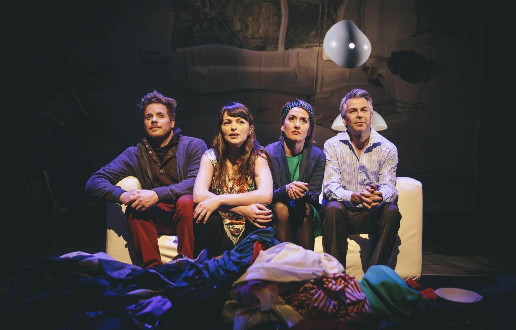Une scène de la pièce<em>La famille se crée en copulant</em>