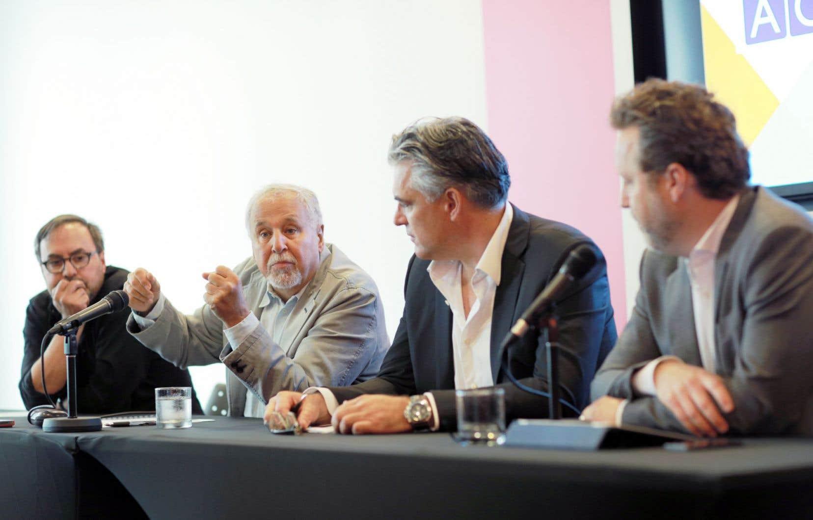 Quatre membres fondateurs de l'ACGE: Sylvain Guy, François Macerola, Raffaele Papalia et Patrick Roy.