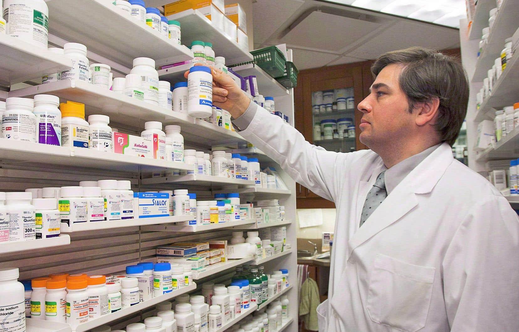 Le Canada est le seul pays industrialisé ayant un système de santé couvert par l'État, mais sans couverture des médicaments.