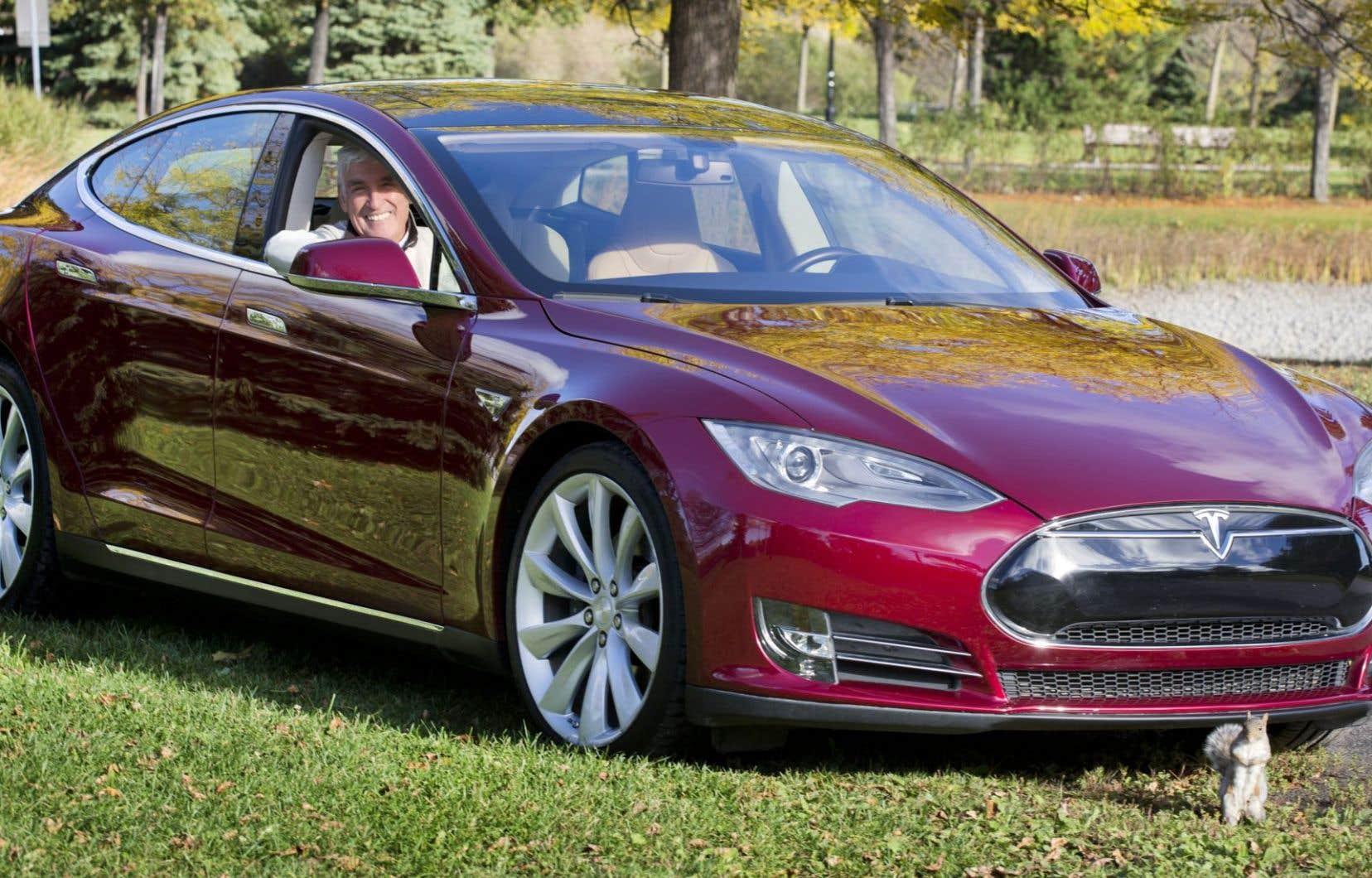 Raymond Brodeur travaille actuellement à un projet de bornes de recharge ultrarapides, pour charger une batterie automobile en moins de 15 minutes.