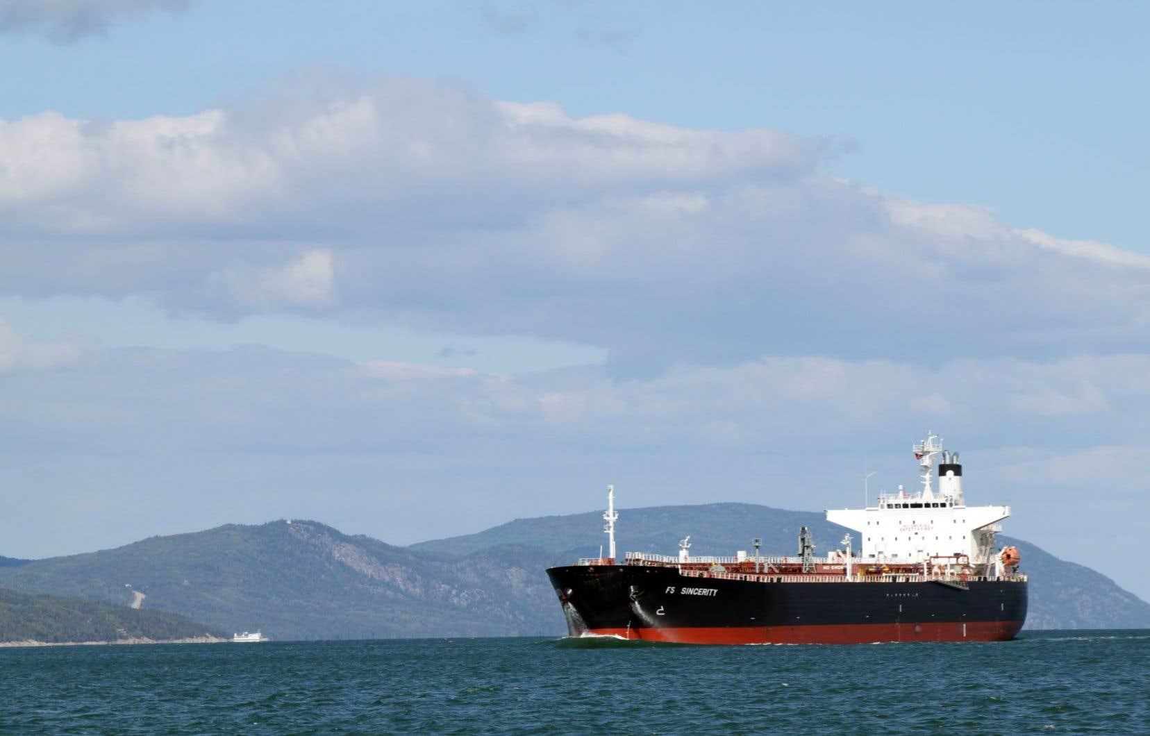 Le Conseil des Canadiens demande à l'UNESCO d'intervenir pour demander à Suncor de cesser le transport de brut lourd par navire.