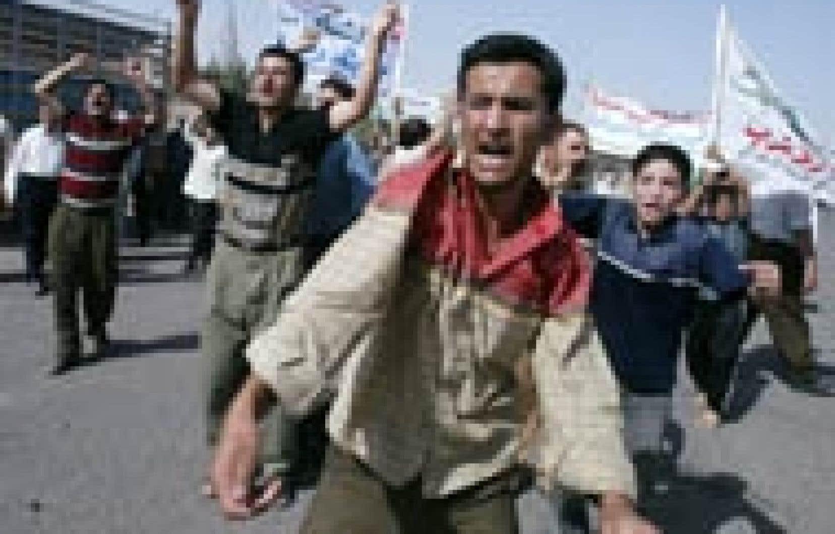 Des chiites manifestaient hier contre la proposition d'autonomie des Kurdes d'Irak.