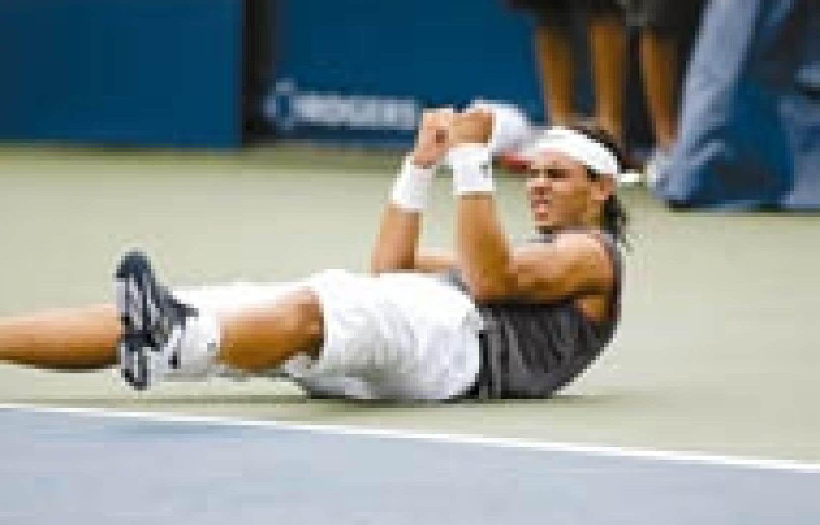 Renversé par la victoire: l'Espagnol Rafael Nadal, tête de série n° 1, s'est montré supérieur à l'Américain Andre Agassi (n° 4) qu'il a battu 6-3, 4-6, 6-2 en finale du tournoi de tennis de Montréal, hier après-midi. À 19 ans, le n°