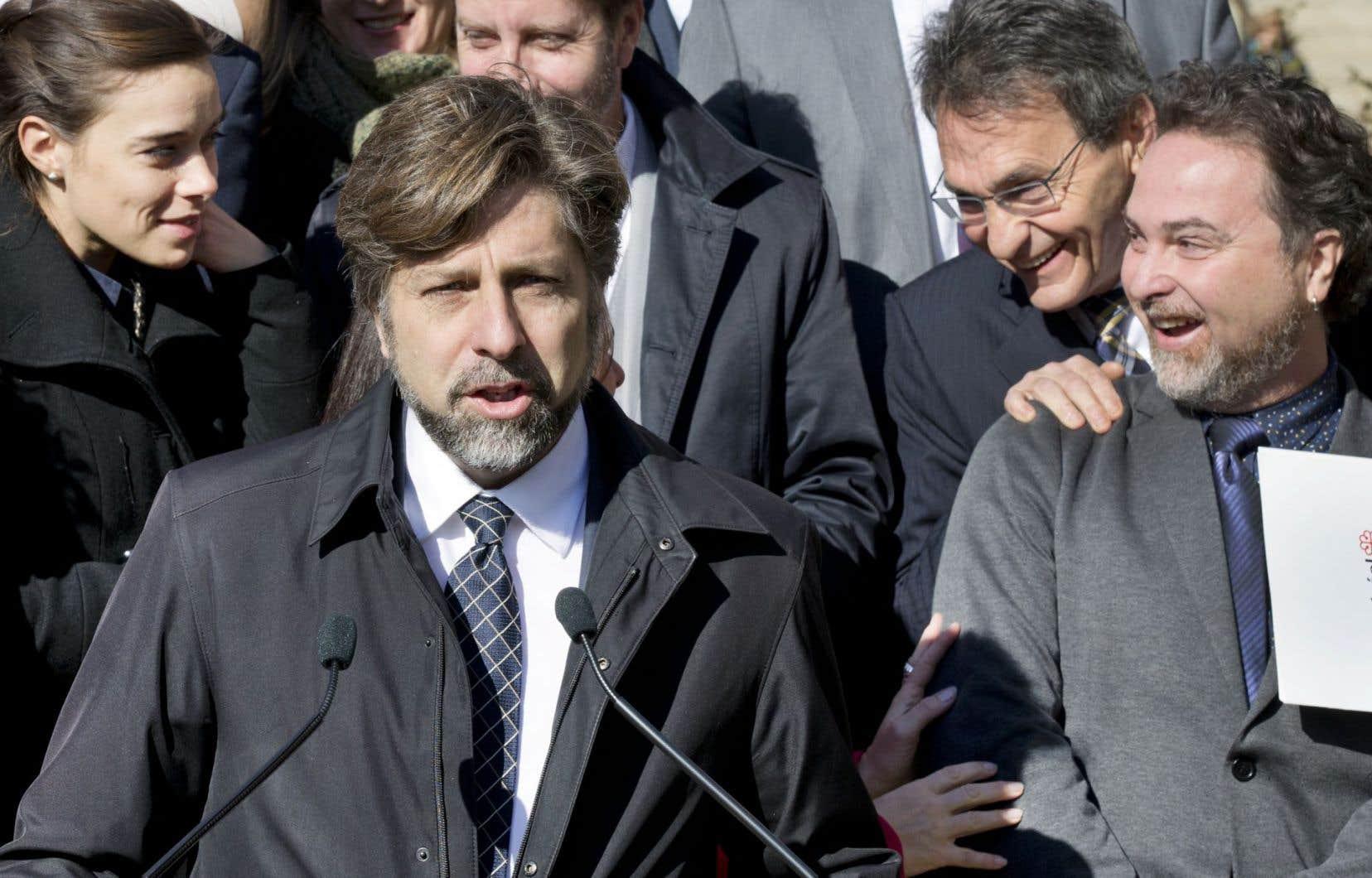 Luc Ferrandez n'écarte pas la possibilité d'être candidat à la succession de Richard Bergeron (en haut à droite), qui s'est retiré de la direction de Projet Montréal.