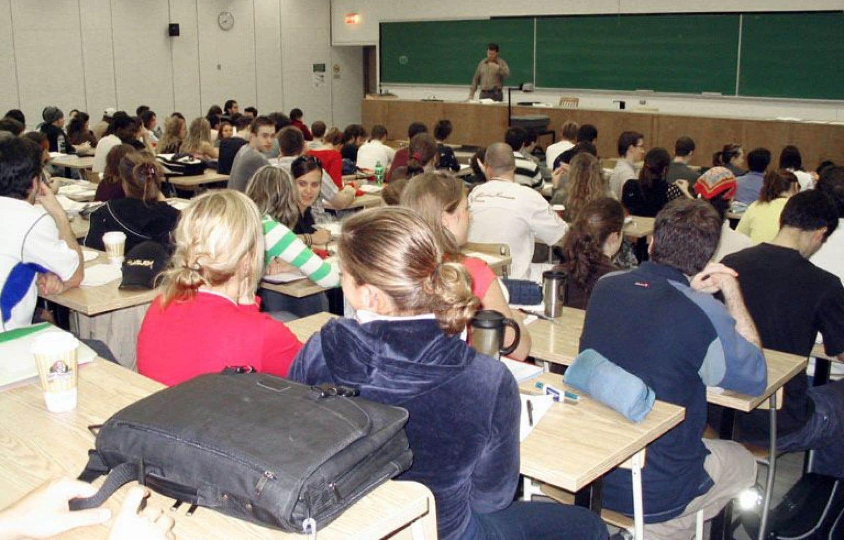 «Ce qui est problématique, c'est le fait que la quasi-totalité du financement de nos universités est basée sur une seule variable: la fréquentation étudiante», explique Martin Maltais, professeur spécialisé en financement et politiques d'éducation à l'Université du Québec à Rimouski (UQAR).