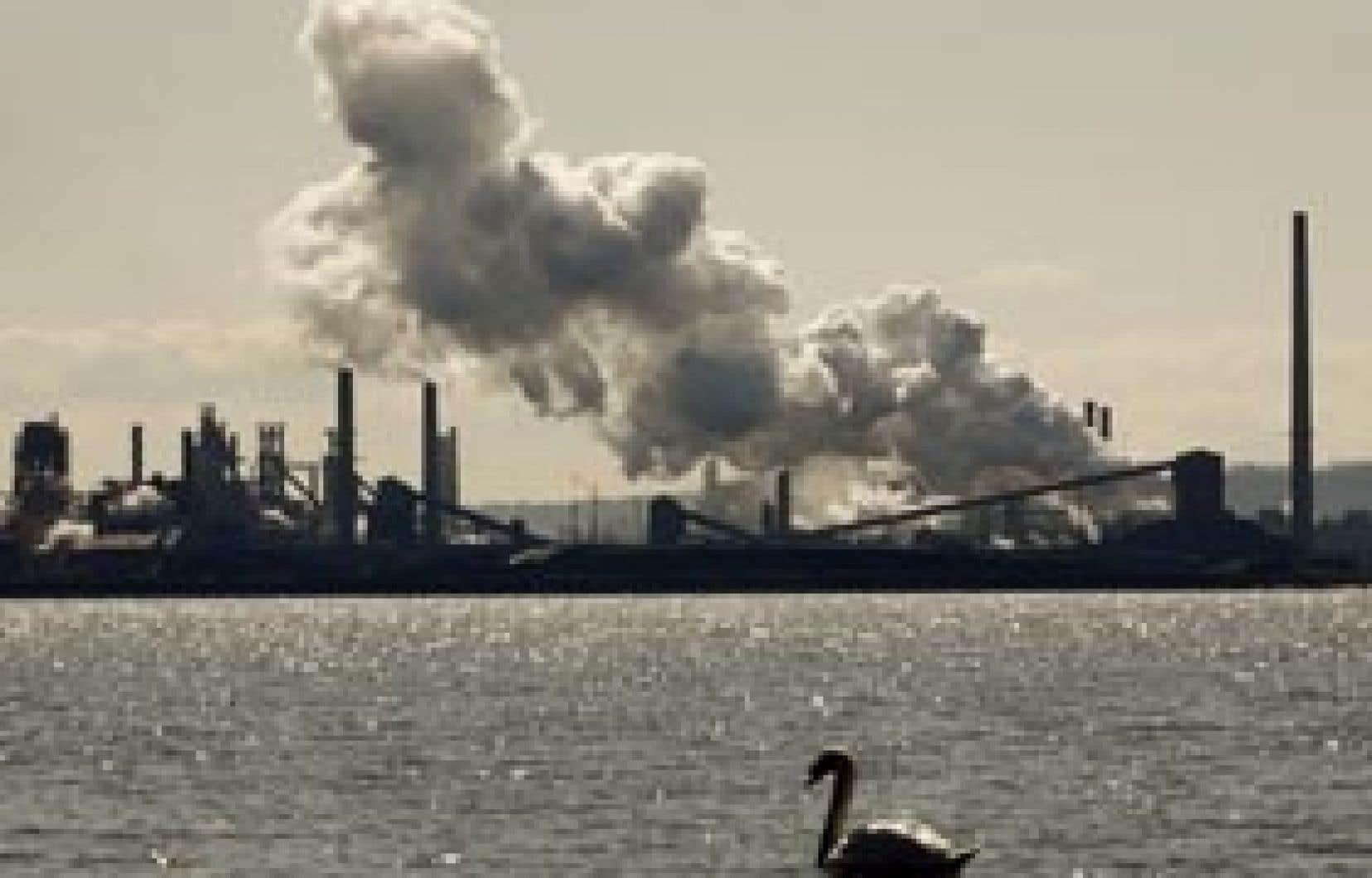 US Steel a récemment annoncé des mesures de réduction de la production à son usine canadienne d'Hamilton.