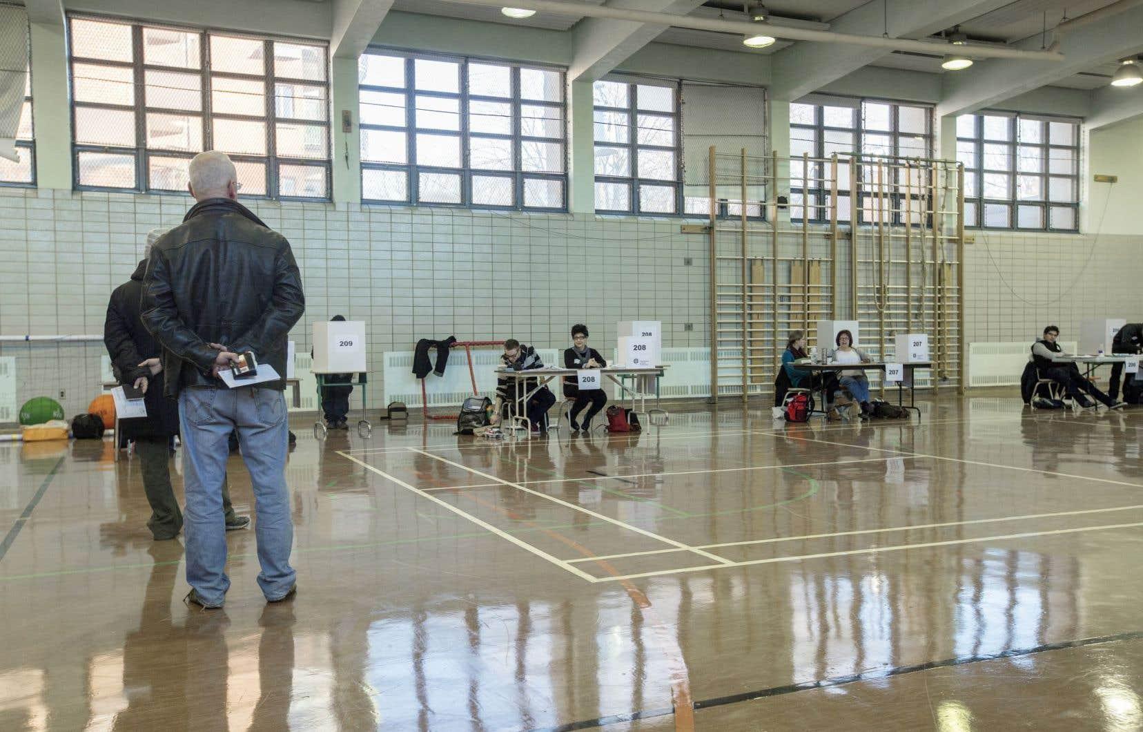 Le taux de participation aux élections de dimanche a été de 4,85 %.
