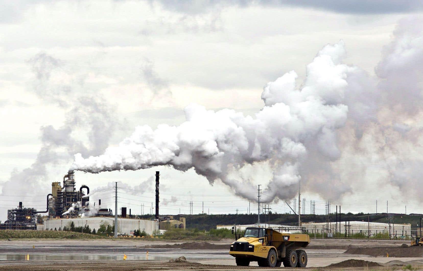 Les sables bitumineux de l'Alberta figurent parmi les sources de pollution les plus importantes au Canada.