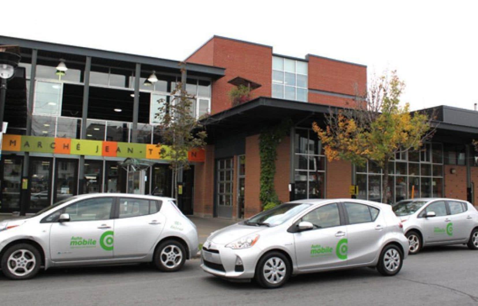 Implanté à Montréal depuis plus d'un an, le système de voitures en libre-service permet aux abonnés d'utiliser une voiture pour de courtes distances sans réserver.