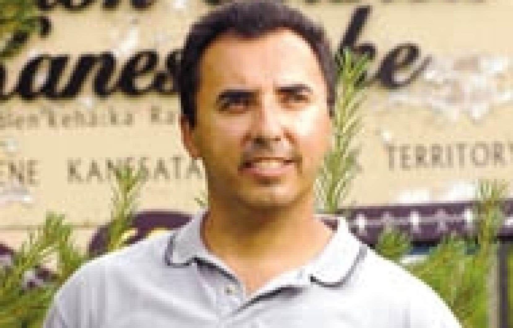 Steven Bonspille a été élu en fin de semaine grand chef de la communauté de Kanesatake. Il succède à James Gabriel qui, bien que battu par 31 voix, a réussi à faire élire tous les membres de son équipe.
