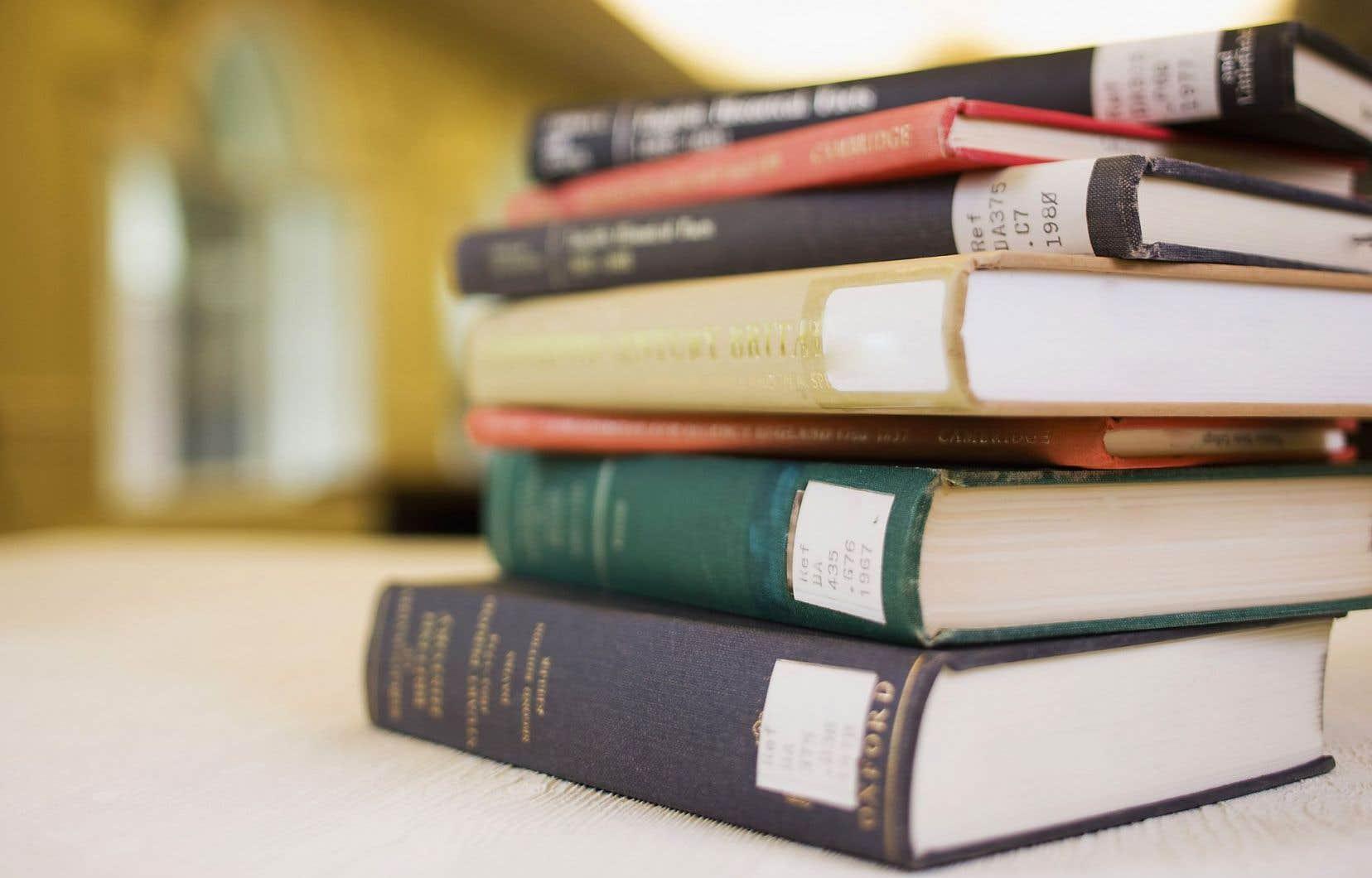 Copibec, un organisme sans but lucratif, négocie depuis 1998 les droits de reproduction des ouvrages québécois.