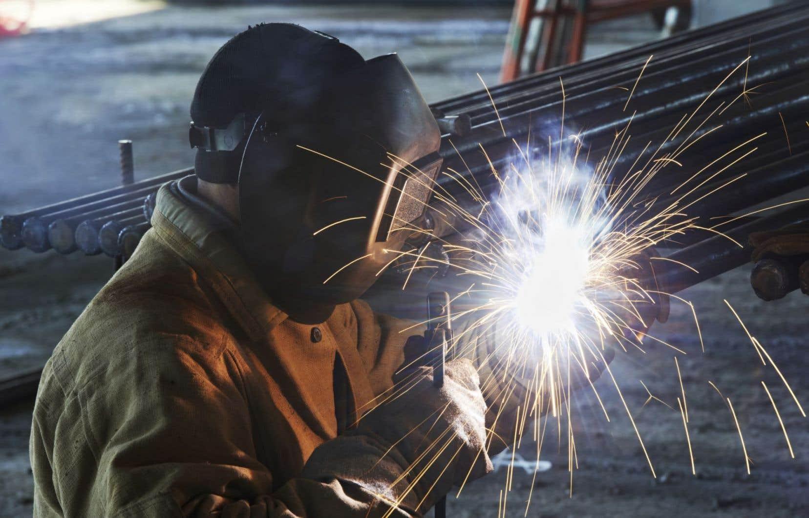 Un conseiller municipal de Thetford Mines, Yves Bergeron, a fait valoir qu'une entreprise locale de structures d'acier manquait cruellement de travailleurs.