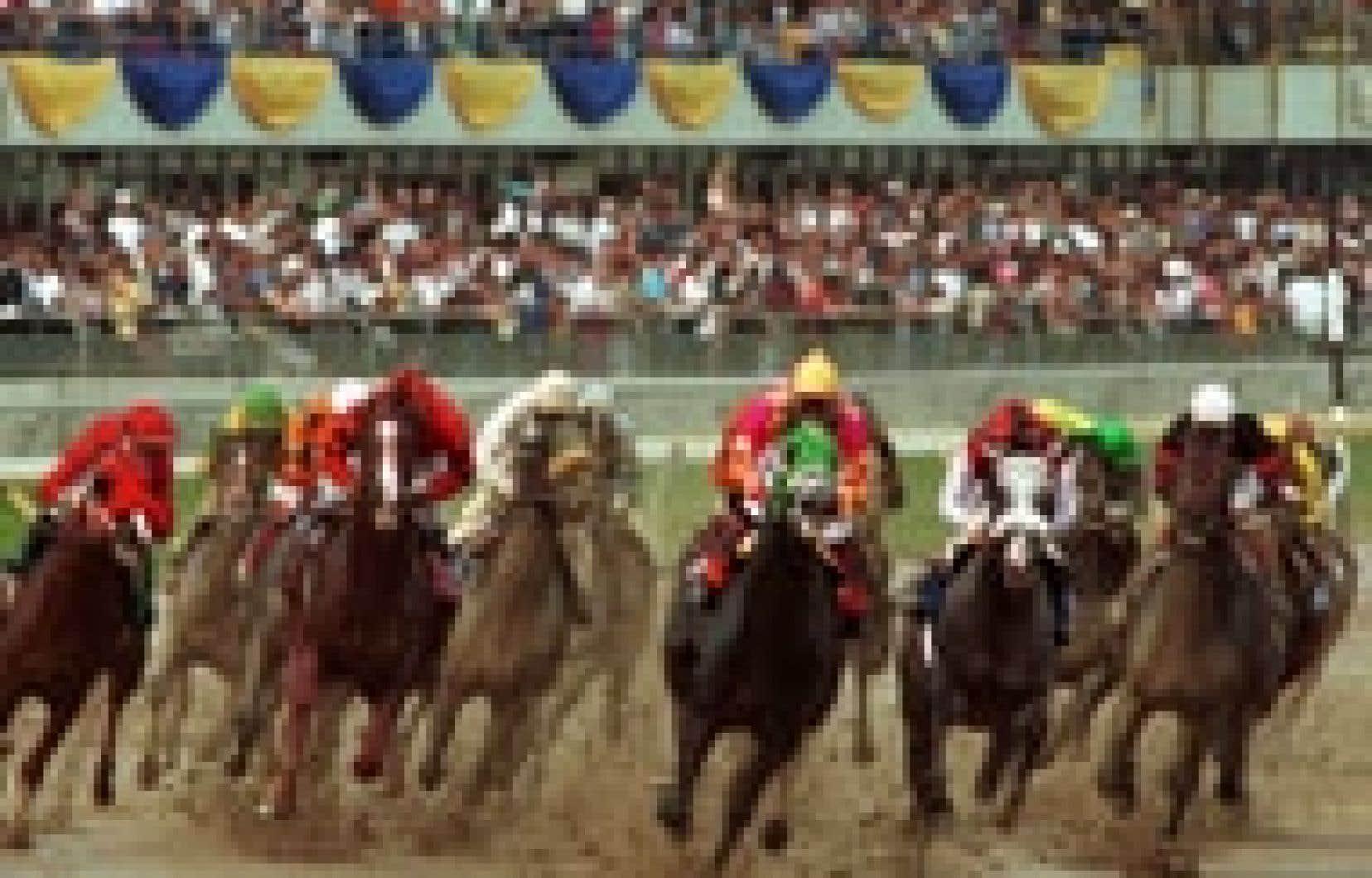 Québec a calculé avoir englouti quelque 300 millions de dollars dans l'industrie des courses de chevaux entre 1997 et 2002 et veut s'assurer que l'avenir de ce secteur sera désormais assuré par le secteur privé.