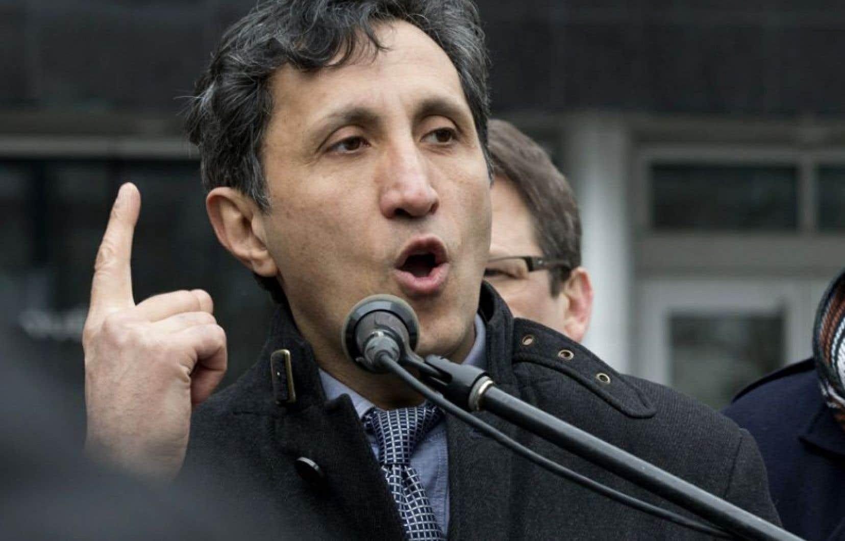M. Khadir ne s'inquiète pas qu'un candidat que l'on situe plus «à droite» de l'échiquier politique, obtienne la faveur du publique.