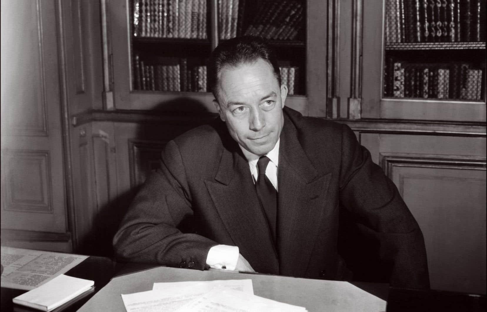 Commençant par «Mon cher Sartre», la lettre autographe signée Albert Camus (notre photo) se termine par «Je vous serre la main».