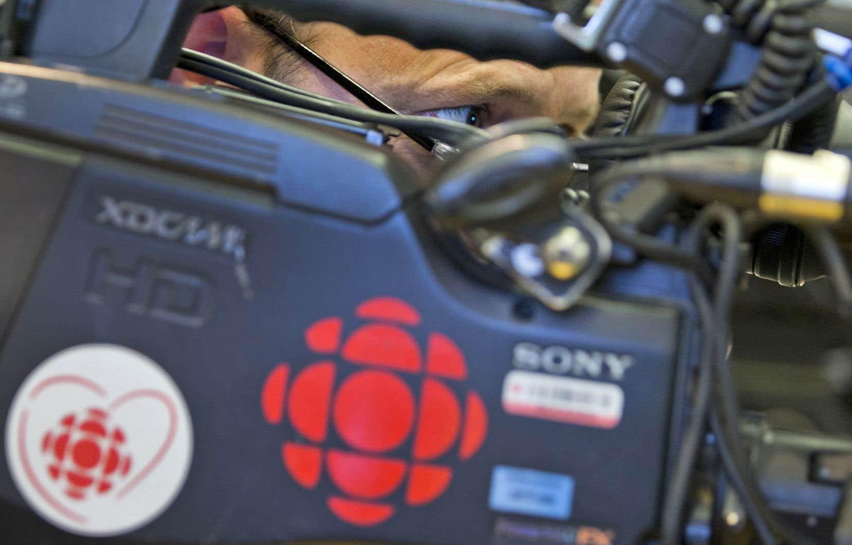 Le documentaire<em>La droite religieuse au Canada</em>, produit par la maison privée InformAction inc. et le réalisateur indépendant Jon Kalina, établit des liens entre le mouvement évangéliste et certaines positions du Parti conservateur au pouvoir.